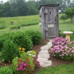 Awesome outdoor junk garden to reuse your old stuff 31