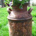 Awesome outdoor junk garden to reuse your old stuff 33