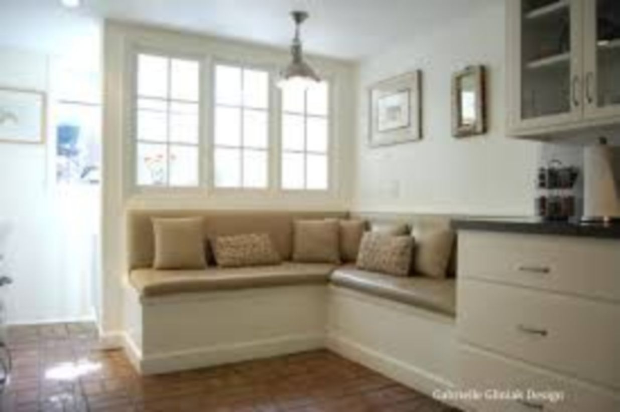 39 Built In Bench For Your Basement Design Ideas