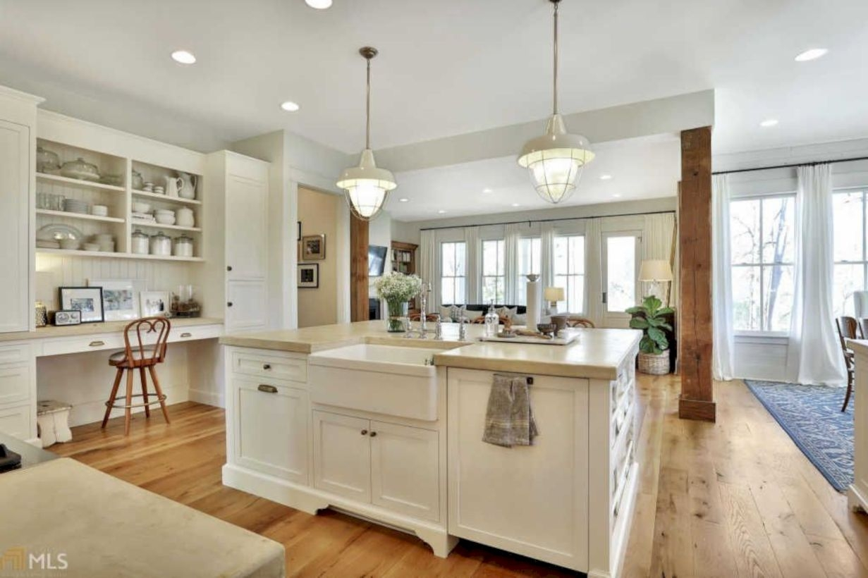 44 charming custom kitchens cabinets designs for Custom kitchen cabinets design ideas