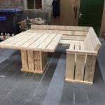 Easy pallet furniture projects for beginners 29