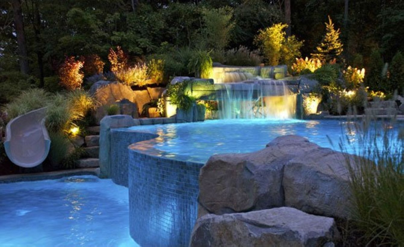 39 Pool Waterfalls Ideas for Your Outdoor Space ...
