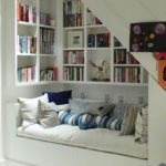 Stunning bookshelves ideas for bedroom decoration 08