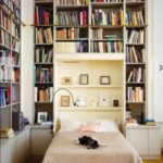 Stunning bookshelves ideas for bedroom decoration 38