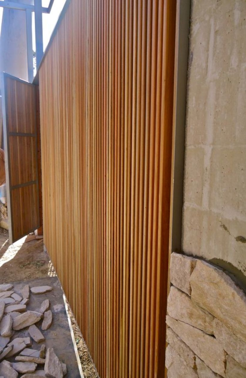 Vertical timber screening and gate