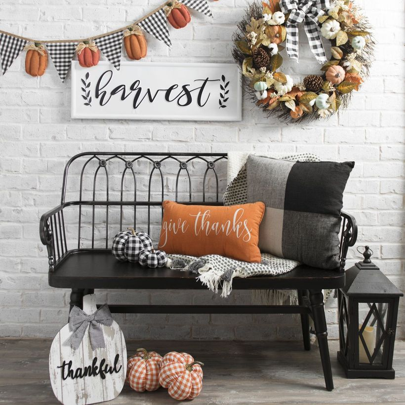 Decoration wall with pumpkin