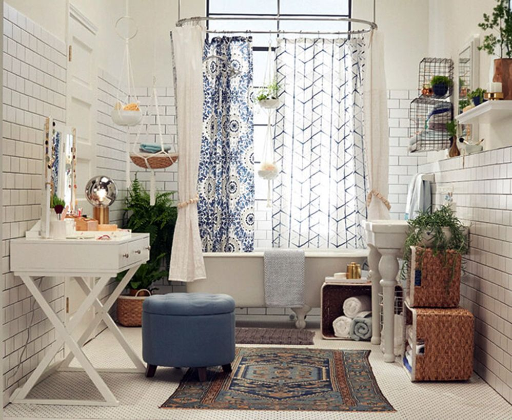 Best boho bathroom decor with square classic pattern carpet, white curtain, white bathtub for awesome decoration