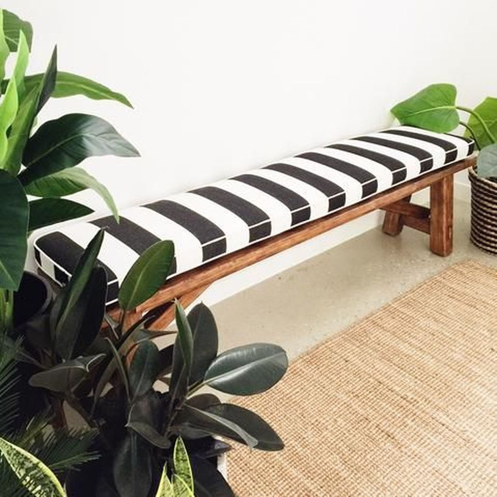 Striped bench to perfect your outdoor design