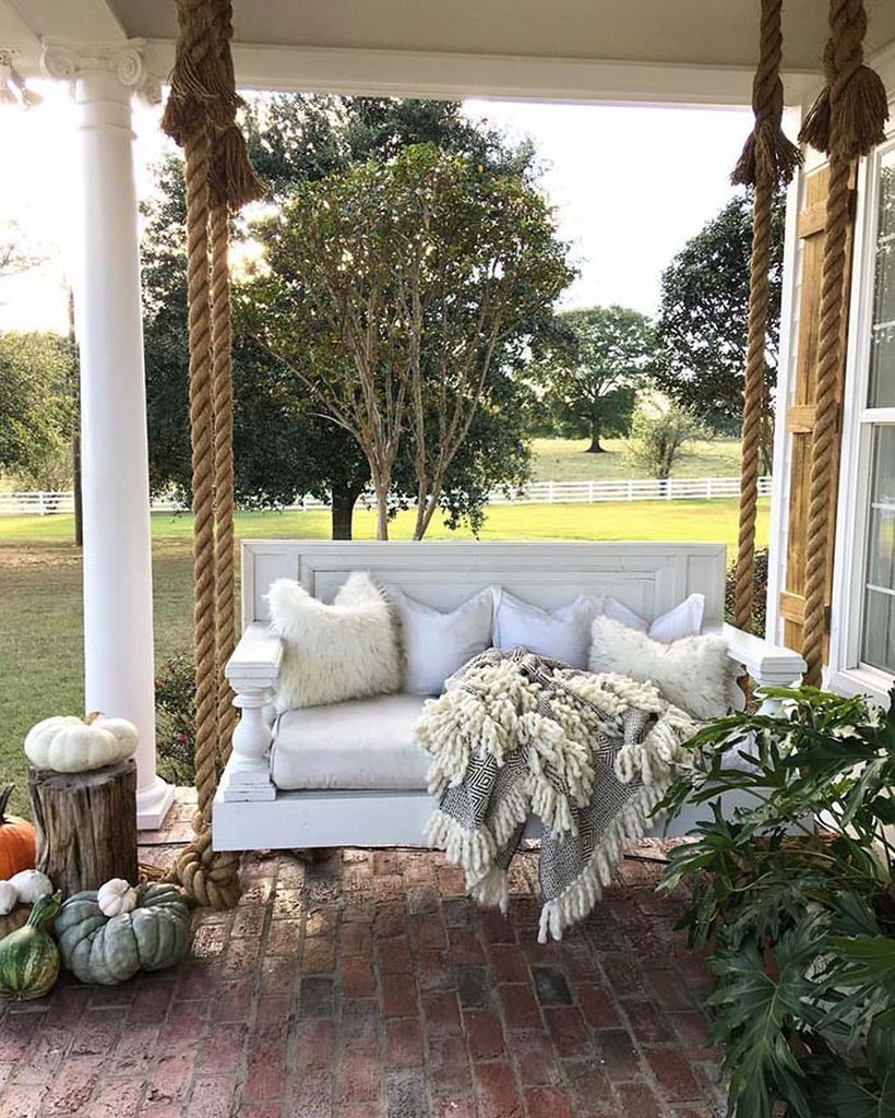 Diy bed-to-porch pendent swing