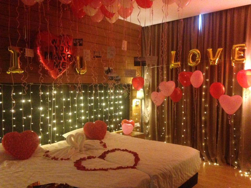 Romantic-room-decoration-ideas-with-balloons