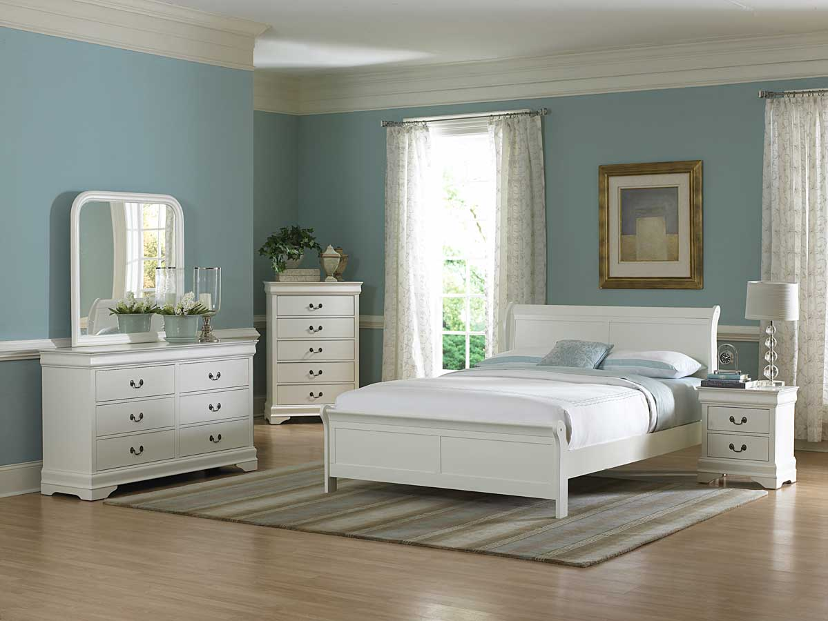 2-blue-room-with-white-furniture-1