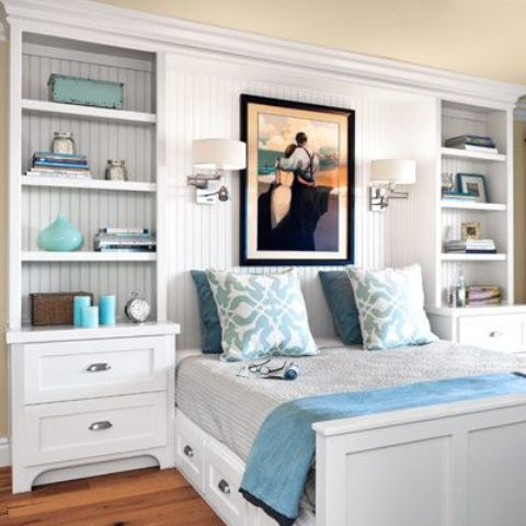 3-03-shelves-on-the-sides-of-the-bed